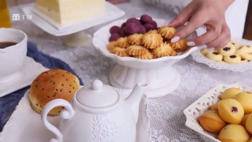 千万人气美食博主:每天15分钟,轻松做出63款米其林级甜点(完结)(高清视频)百度网盘