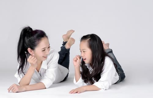 《王芳:最好的方法给孩子》 MP3音频 百度网盘下载
